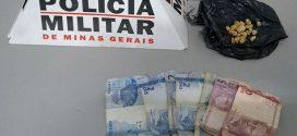 """Pará de Minas: suspeitos de tráfico presos no """"Beco da Morte"""" com crack e dinheiro"""