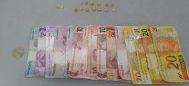 Pará de Minas: dupla é flagrada com dinheiro e pedras de crack