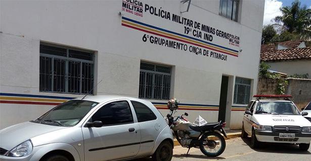 Onça de Pitangui: dupla armada assalta motorista e foge com veículo