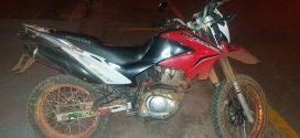 Papagaios: menores flagrados com moto roubada e revólver