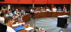 Debate e falta de entendimento entre vereadores impede votação de projeto que cria o Cartão Passa Fácil Idoso