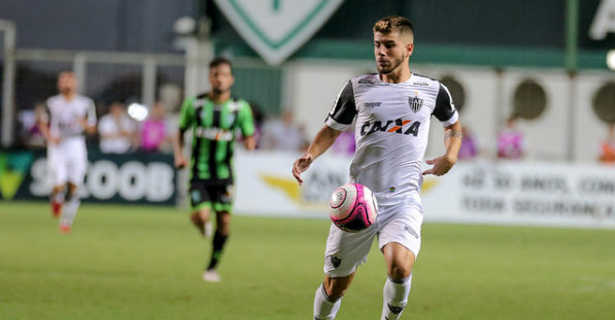 Tomás Andrade comemora estreia positiva no Galo