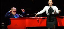"Elton John anuncia lançamento do álbum ""Revamp"". Assista"