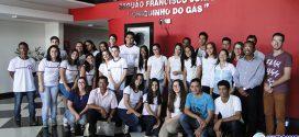 Câmara Municipal reúne mais de 40 estudantes e inicia atividades do Parlamento Jovem em Pará de Minas