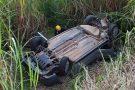 Batida seguida de capotamento na BR-494 em Marilândia deixa garota em estado grade e outros dois feridos