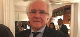Joaquim Falcão é eleito para a Academia Brasileira de Letras