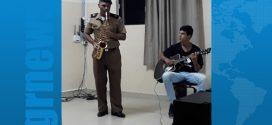 Bom Despacho: militar saxofonista se apresenta em palestra de desembargador