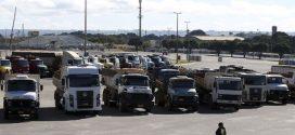 Rodovias são bloqueadas contra aumento dos combustíveis