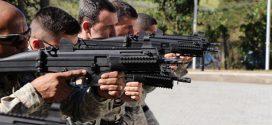 Capacitação de manuseio de armas longas é ministrada para agentes prisionais