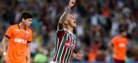 Fluminense derrota o Atlético-PR e entra no G-6