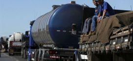 Paralisação continua e caminhoneiros entram no segundo dia de bloqueio