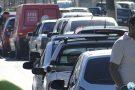 Donos de veículos continuam enfrentando filas para abastecer nos postos de Pará de Minas
