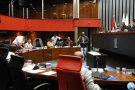Vereador promete enviar ao TCE denúncias sobre dotação orçamentária contra Elias Diniz. Prefeitura contesta