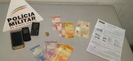 Casal suspeito de tráfico de drogas é preso com crack e dinheiro no Residencial Capanema