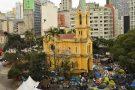 Famílias desabrigadas deixam Largo do Paissandu em São Paulo