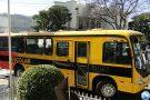 Novo ônibus reforça a frota do transporte escolar e crédito R$ 1 milhão para asfaltar ruas