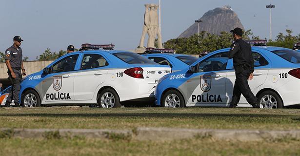 Polícia Militar localiza carro de policial sequestrado no Rio