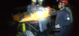 Bombeiros regatam motociclistas feridos em local de difícil acesso na Serra das Torres em Pará de Minas