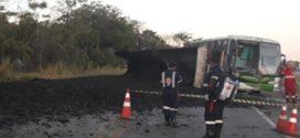 Acidente na BR-262 envolvendo ônibus e duas carretas mata caminhoneiro