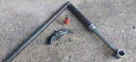 Trio é preso com arma e munições após disparar tiros perto de creche em Bom Despacho