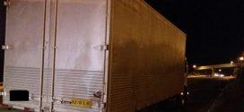 PRF apreende caminhão com carga de calçados de Nova Serrana avaliada em 250 mil