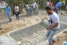 Proprietários rurais aprendem construir fossa de evapotranspiração e reutilizar a água da pia e chuveiro