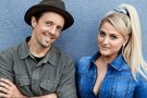 Jason Mraz em lyric video com Meghan Trainor. Assista