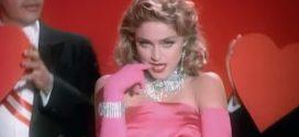 "Relembre o hit ""Material Girl"" de Madonna. Assista"