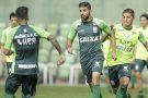 Coelho treina para enfrentar o Fluminense