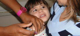 Dia D de vacinação contra sarampo e poliomielite mobiliza unidades de saúde para imunizar crianças