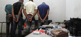 Vizinho denuncia e militares prendem em flagrante suspeitos de arrombamento em residência no São José