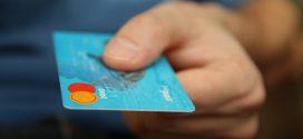 Cartão de crédito: um em cada três clientes ignora valor da fatura