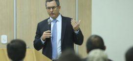 Ministro da Fazenda defende liberdade de preços para área de refino de combustível