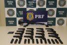 Agentes da PRF apreendem pistolas e fuzis na Via Dutra, no Rio