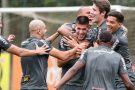 Atlético realiza penúltimo treino antes do clássico