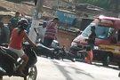 Batida entre motocicletas fere duas pessoas no bairro São Pedro