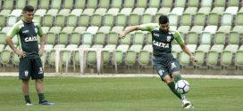 Coelho treina firme visando ao jogo deste sábado