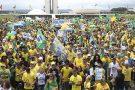 Apoiadores fazem atos pró-Bolsonaro em diversas cidades do país