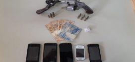 Operação Carta Branca prende oito. apreende droga, armas, munições e dinheiro em Pompéu