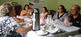 PM de Pará de Minas homenageia professores que contribuíram para a formação de policiais