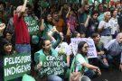 Manifestantes protestam contra propostas de Bolsonaro para meio ambiente