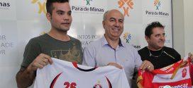 Finalistas do campeonato de Pará de Minas recebem cheques e prefeito destaca o alto nível da competição