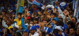 Cruzeiro bate o Vitória no Mineirão