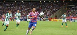 Fortaleza goleia o Juventude na festa pelo título da Série B