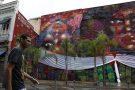 Grafiteira faz mural de 500 m² no Rio em homenagem às mulheres negras