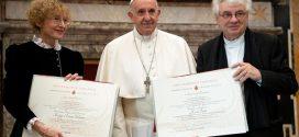 Papa Francisco quer mais espaço às mulheres nas funções de responsabilidade da Igreja