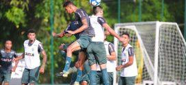 Elenco atleticano treina para enfrentar o Internacional